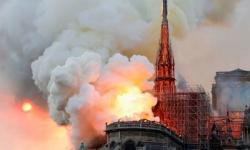 NHÀ THỜ ĐỨC BÀ PARIS BỊ CHÁY